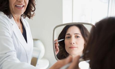 Infiltración de uno o dos viales de ácido hialurónico en Clínica médico estética Alainn (hasta 68% de descuento)