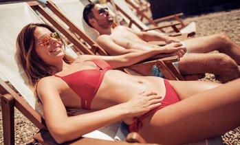 Up to 65% Off Spray-Tan or UV-Tanning Sessions