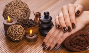 Klinika Anna Pikura: Manicure spa (od 39,99 zł) lub pedicure spa (od 44,99 zł) i więcej opcji w Klinice Anna Pikura w Gdyni (do -55%)