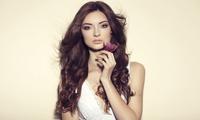Olaplex-Therapie, Ansatz-Coloration oder Oberkopfsträhnen für versch. Haarlängen in Charlies Salon (bis zu 56% sparen*)