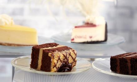 Hausgemachter Kuchen mit Heißgetränk nach Wahl für bis zu 4 Personen im Kultur Cafe Gerngeschehen (bis zu 54% sparen*)