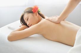 Thai Massage Hamburg: 1x oder 2x 60 Min. Massage nach Wahl inkl. Heißgetränk bei Thai Massage Hamburg (bis zu 65% sparen*)