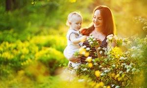 Fotomecanicos: Sesión de fotos para una, dos personas o un adulto y un bebé por 24,90 €