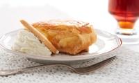 Crêpe oder heißer Apfelstrudel inkl. Glühwein oder Kaffee für 1 oder 2 Personen im Eiscafé Grimaldi (bis zu 43% sparen*)