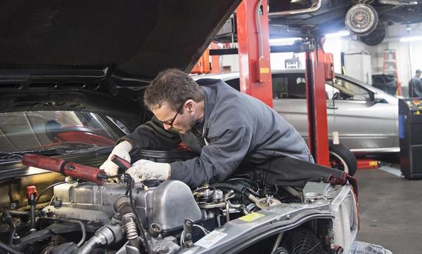 AL Barq Auto Maintenance Workshop
