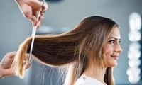 Haarschnitt mit Intensivpflege, opt. Oberkopf-Strähnen oder Ansatzfarbe, bei Ralph Salger Friseure (bis zu 67% sparen*)