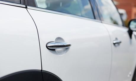 Servicio de reparación de chapa y pintura de coche en M Autos Chapa y Pintura (con 87% de descuento)