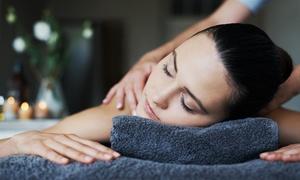 Crazy Nails Estetica: 3 massaggi corpo a scelta e 3 trattamenti viso da Crazy Nails Estetica (sconto fino a 81%)