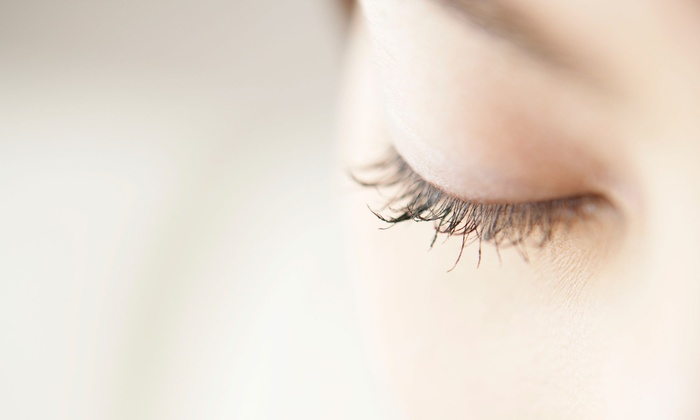 SWANK Blow Dry Bar - Coral Ridge Country Club Estates: Full Set of Classic Mink Eyelash Extensions with Optional Two-Week Refill at SWANK Blow Dry Bar (Up to 39% Off)
