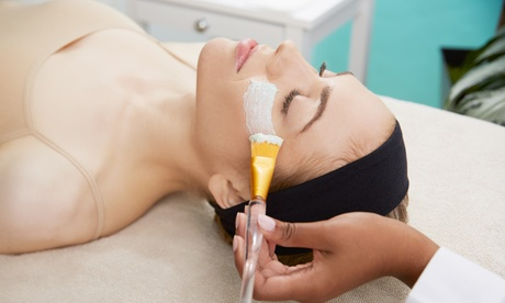 1 o 2 sesiones de limpieza facial con microdermoabrasión y masaje kobido desde 19,95 € en BeautyChic