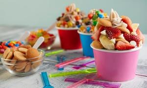 YO! Yogurteria: Frozen Yogurt und 3 Toppings mit einem Getränk für 2 oder 4 Personen bei YO! Yogurteria (bis zu 45% sparen*)