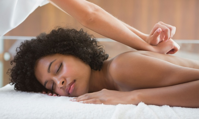 Up to 51% Off Deep Tissue Massage at Holistic Hands
