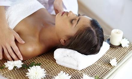 Pulizia viso, massaggio, ceretta e scrub