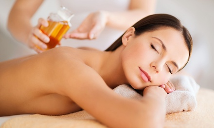 One 60-Minute Oil Massage at Luxor Spa & Wellness (54% Off)