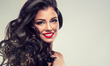 Extensiones de pelo con opción a corte y tinte y 3 revisiones con lavado y peinado desde 119 € en Olympo Stilistas