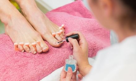 Beauté des pieds option mains avec pose de vernis semi permanent dès 19,90 € au salon Bar A Ongles G And H