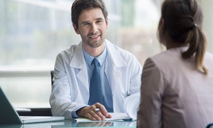 Check up ginecologico con pap test e TVS