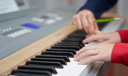 Lezioni individuali o collettive a scelta tra musica o canto con Queens' Academy (sconto fino a 89%)