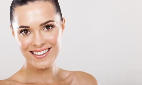 Limpieza facial con mascarilla y más servicios a elegir desde 12,95 € en La Rosa