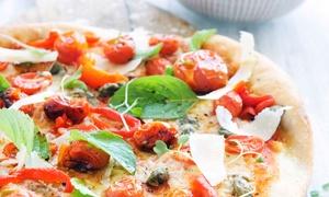 Makarun Mundsburg: Pizza nach Wahl inkl. einem Fritz-Kola Getränk für 2 oder 4 Personen bei Makarun Mundsburg (bis zu 41% sparen*)
