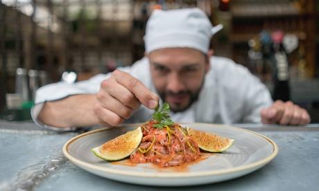 Menú para 2, 4 o 6 personas a elegir con demostración del chef a domicilio con Chef Julio Coca
