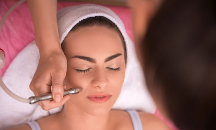 Diamond Microdermabrasion + Oxygen Facial: 1 $39 or 2 Sessions $75 at Advanced Aesthetics Australia Up to $298