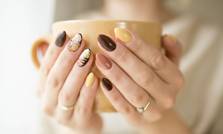 5 manicure e pedicure con smalto