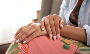 Segreti di Bellezza: 3 o 5 manicure o pedicure con smalto classico o semipermanenete al salone Segreti di Bellezza (sconto fino a 90%)