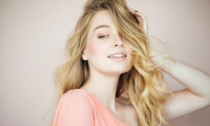 Waschen, Schneiden und Föhnen, opt. mit Kopf-Massage oder Haaranalyse mit Kamera, bei Les Beautes (bis zu 64% sparen*)