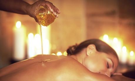"""Masaje relajante con ritual """"Aromas Body Plus"""" de 30, 60 o 90 minutos desde 16,90 € en Amalheto Medicina Estética"""