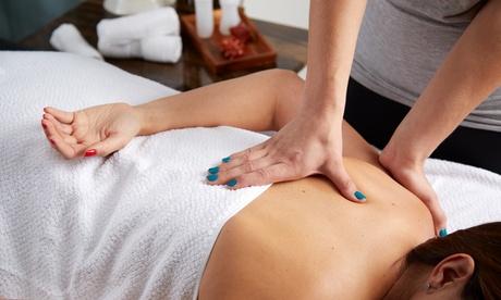 1, 3 o 5 sesiones de masaje de fisioterapia de 1 hora desde 14,95 € en Medicina & Estética Glamour