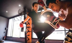 Golden Rule Academy: 10 lezioni di muay thai o kick boxing a scelta alla palestra Golden Rule Academy (sconto fino a 70%)
