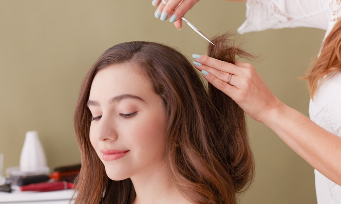 Fara at 26 Beauty Salon - Fara at 26 Beauty Salon: Haircut, Makeup, and Threading Packages from Fara at 26 Beauty Salon (58% Off). Eight Options Available.