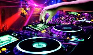"""DEE2JAY DJ School: 2,5 Std. DJ-Schnupperkurs """"What is DJing?"""" für 1 oder  2 Personen bei DEE2JAY DJ School (bis zu 77% sparen*)"""