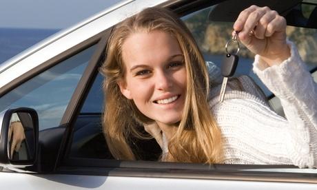 Curso para obtener carné de coche con libros y 5, 10 o 12 clases prácticas desde 29,99 € en Autoescuela Canillas