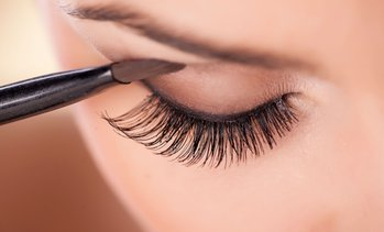 Up to 68% Off Eyelash Extensions at Lisa's Beauty Salon