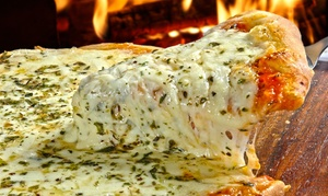 Cabo Blanco, Resto Lounge Bar: Desde $179 por papas con cheddar + pizza + bebida para dos o cuatro en Cabo Blanco, Resto Lounge Bar
