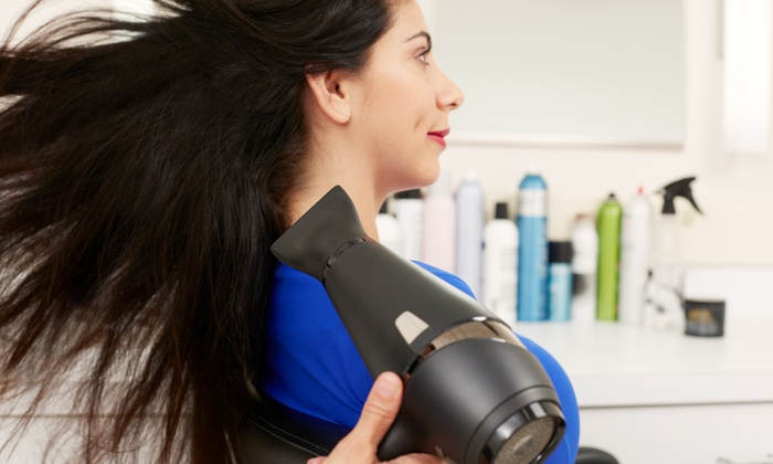 Salon Lole - Salon Lole: One or Three Shampoos and Blowouts at Salon Lolé (Up to 52% Off)