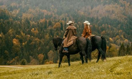 Image of Passeggiata a cavallo da 120 minuti per 2 o 4 persone al centro ippico Country House ASD (sconto fino a 41%)
