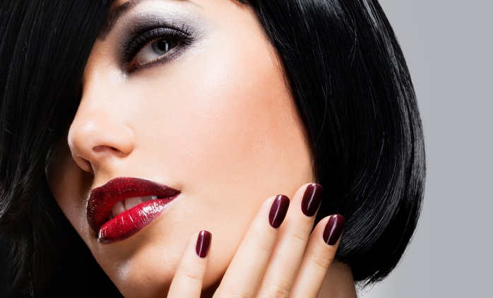 Makijaż permanentny: kreska dolna lub górna (119 zł) brwi metodą tradycyjną (179 zł) i więcej w Salonie Urody Gaja