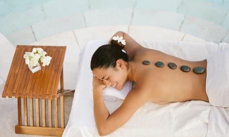 1, 3 o 5 sesiones de masaje relajante con piedras calientes desde 12,95 € en Peluquería y estética Anita