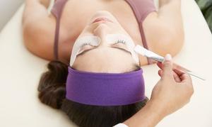 Bellezza e Benessere di Cutini Francesca: 3 pulizie del viso con peeling al centro Bellezza e Benessere (sconto fino a 73%)