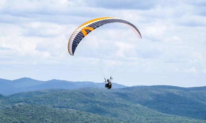 Parapente AIREAN - Varias localizaciones: Vuelo biplaza en parapente para una o dos personas desde 44,95 € en Parapente AIREAN, 8 localizaciones