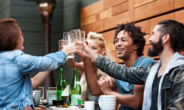 The Clover Irish Tavern Mirasierra - The Clover Irish Tavern Mirasierra: Reservado cumpleaños con 2 pintas, copa y picoteo para 1, 16 o 24 personas desde 16,95 € en The Clover Irish Tavern