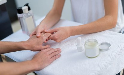 Hartje Amsterdam: spa manicure en/of pedicure met gellak bij Beauty Salon Silvia