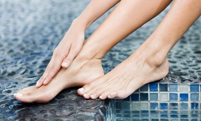Laser Fungus Removal for One Toe Nail, One Foot, or Both Feet at Simin Aesthetic Laser (Up to 94% Off)