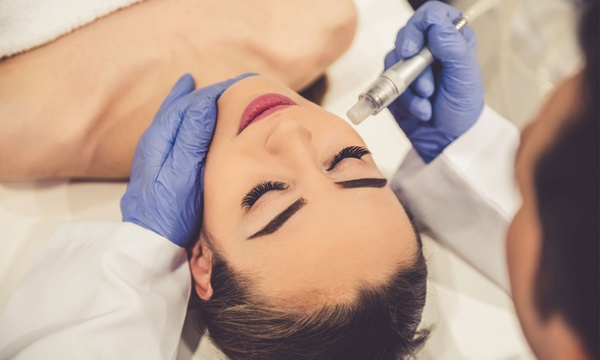 Weiter Gesichtsbehandlung auch Saugt der nach Mobile Kosmetik