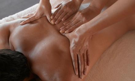 Masaje en pareja o a cuatro manos a elegir entre varias modalidades por 29,95 € en Emotions Center