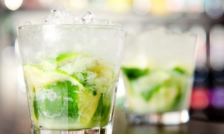 Menú para 2 o 4 con cóctel o gin-tonic, empanada argentina y tapa a elegir desde 16,99 € en Blended Cocktail Bar