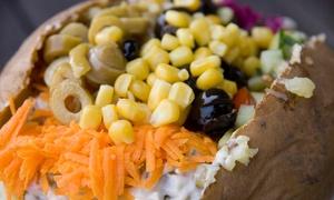 Mama Kumpir: Kumpir nach Wahl inkl. Salat für 1, 2 oder 4 Personen bei Mama Kumpir (bis zu 43% sparen*)